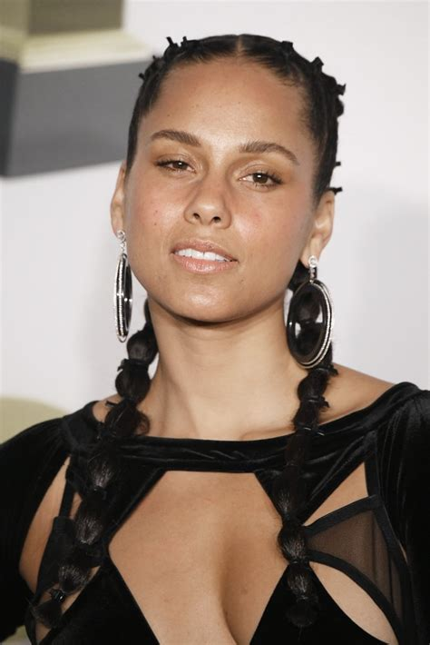 alicia keys alicia keys s braids at the grammys 2018 popsugar beauty
