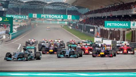 Baju F1 Petronas baju gadis litar f1 lebih sopan inspirasi dari kebaya tv14