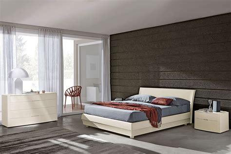 foto in da letto foto camere da letto design moderno con colore marrone