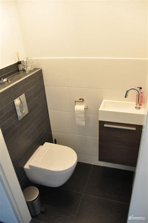 Wc Ruimte Betegelen by Betegelen Badkamer En Toilet Werkspot