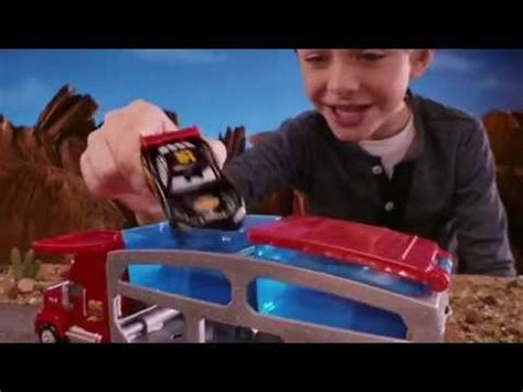 disney pixar cars out for a spin disney presents a pixar film cars disney book group ramone s color change playset disney pixar s cars spin and spray mattel ckd12 youtube
