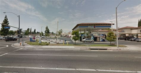 Garden Grove Gas Station 2 Armed Robbers Hit Garden Grove Gas Station Flee