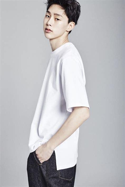 Sweater Produce101 S2 Hitam 권현빈 kwon hyunbin kwon hyunbin hyun bin