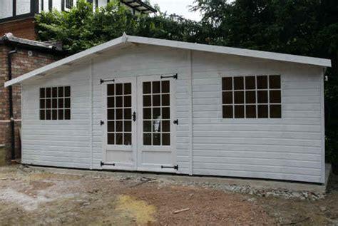 bespoke    summerhouse garden shed delivered  south