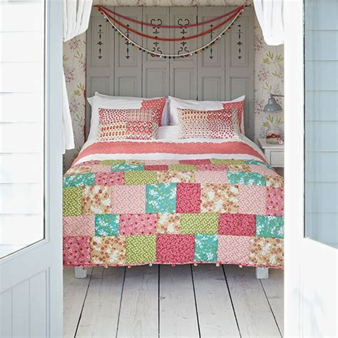 Patchwork Quilt Ideas - country bedroom with patchwork quilt housetohome co uk