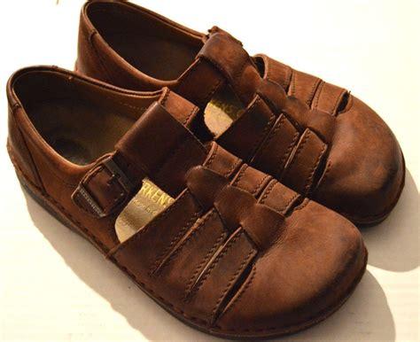 birkenstock closed toe sandals birkenstock closed toe sandals 28 images shoes boots