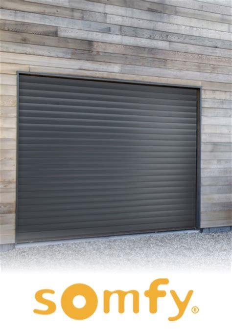 porte de garage a enroulement pas cher porte de garage enroulable bois maison travaux