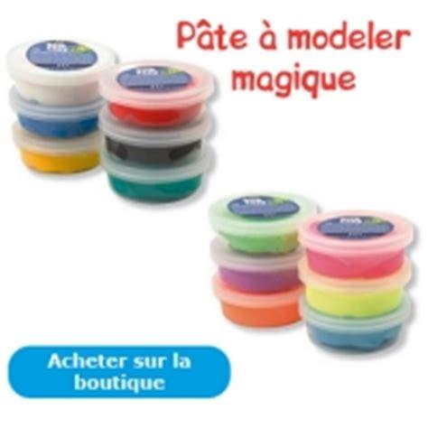 Pate A Modeler Magique