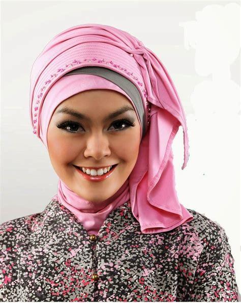 Jilbab Instan Untuk Wisuda 24 model untuk kebaya modis elegan 2017 fashion