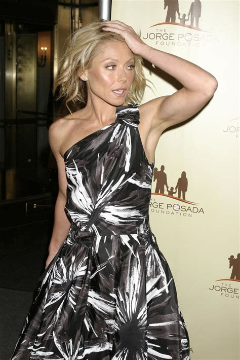 how does kelly ripa get the bends in her hair get ripped like kelly ripa chatelaine