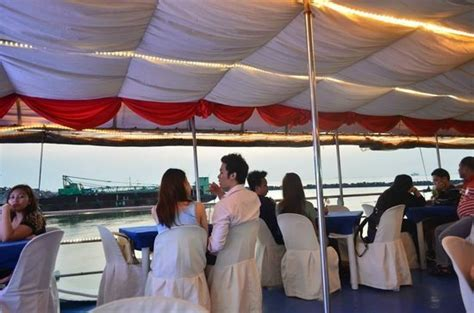 dinner on a boat in the bay inside picture of manila bay cruise by sun cruises