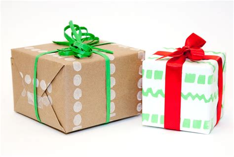 wrapping present 32 gift wrapping ideas creative diy