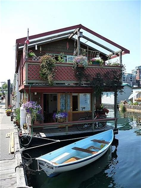 rent house boat 17 best images about converting a boat house boat bus on pinterest floating homes buses