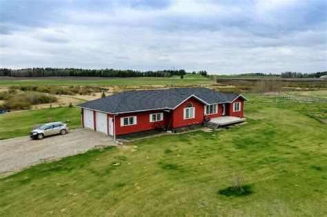 reduced  acreage  family home leslieville