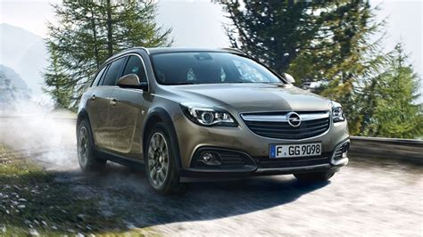 opel insignia wagon 2017 nuova opel insignia country tourer 2017 la station wagon