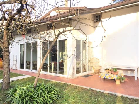 Garten Quadratmeter Miete by Villa Am Meer In Riccione Mieten 6465833
