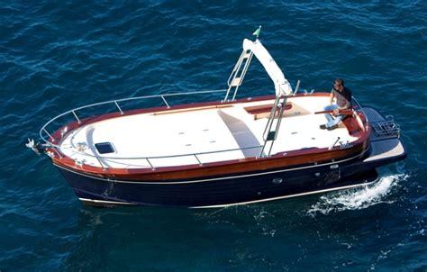 gozzi cabinati usati gozzi plananti vetroresina la cura dello yacht