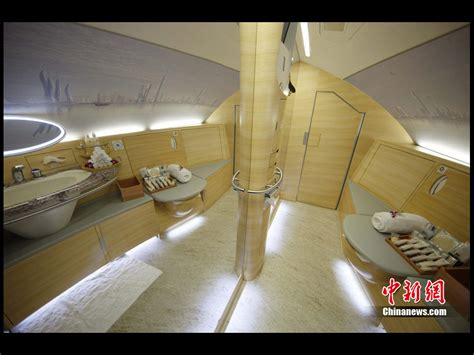 emirates a380 bathroom luxury emirates airbus a380 china org cn