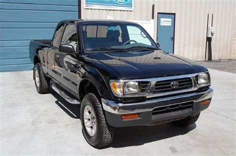 purchase used warranty 1996 toyota tacoma extended cab lx 4wd 5 speed manual truck 96 4x4 awd in