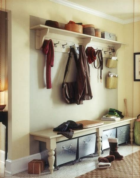 Foyer Organization by 35 Clever Exles To Organize Your Entryway Easily Digsdigs