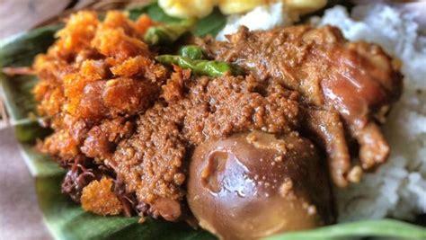 Intip Buntel Kuliner Rasa Gurih gudeg kuliner dengan rasa khas manis dan gurih dari yogyakarta