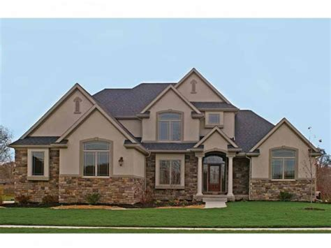 traditional home plan with 2880 square feet and 4 bedrooms from dream home source house plan eplans traditional house plan striking in stone 2999