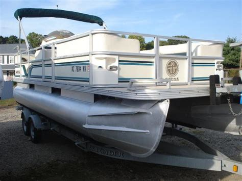 pontoon boats for sale north carolina used crest pontoon boats pontoon boats for sale in north