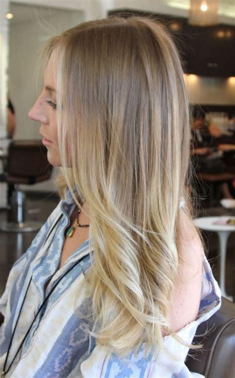 nuovo trend  capelli lombre hair  ripropone anche