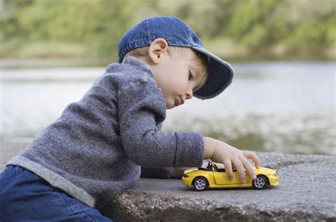 kid play car forgetting to enrich your kiddo s vocabulary no sweat