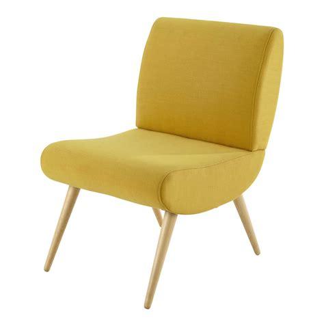 fauteuil tissu vintage fauteuil vintage en tissu jaune cosmos maisons du monde