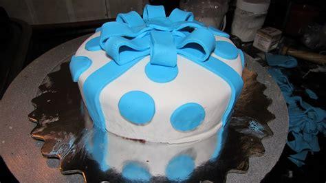 fondant cake decorating  beginners cake