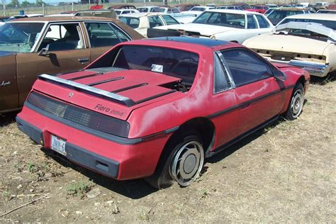 how to fix cars 1985 pontiac fiero free book repair manuals service manual how to fix cars 1985 pontiac fiero free book repair manuals car of the week