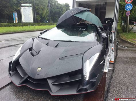 lamborghini veneno crash black lamborghini veneno lp750 4 roadster umbrella top
