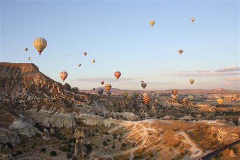 turisti per caso turchia cappadocia in mongolfiera viaggi vacanze e turismo