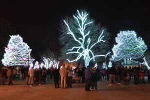 Lights Before Christmas Opens Nov 14 Toledo Com Toledo Zoo Lights Hours
