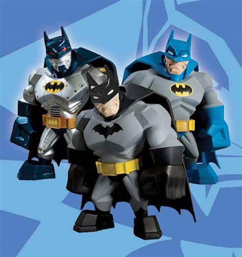 Uni Formz Armored Batmanvinyl Figure batman uni formz vinyls the awesomer