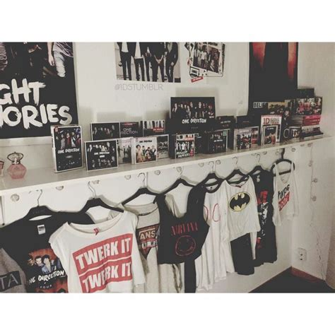one direction room decor 25 best ideas about grunge room on grunge bedroom grunge decor and hippie room decor