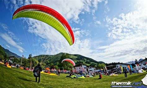 Swing Paragleiter by Paragliding Testival Swing Paragliders