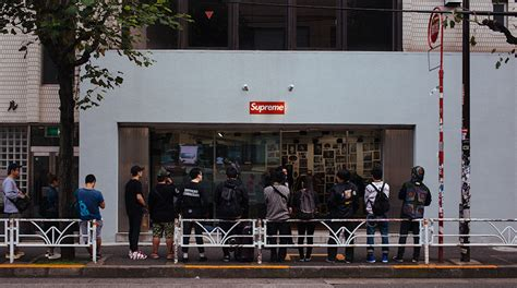 supreme store uk supreme store queue