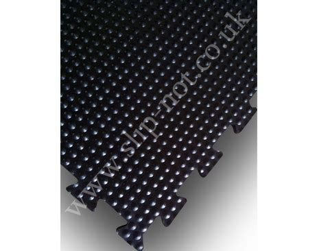 Interlocking Heavy Duty Rubber Stable Mats 30mm Thick