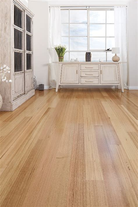 Tasmanian Oak (High Gloss)   ArrowSun Specialty Flooring
