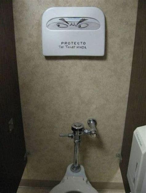 bathroom graffiti masterpieces   true works  art