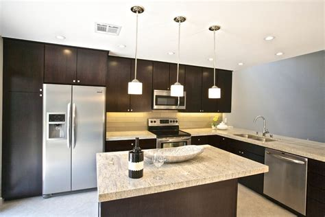 Cabinets of the Desert ? Clean and Contemporary 80?s