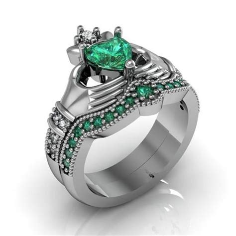 claddagh ring sterling silver emerald cz and