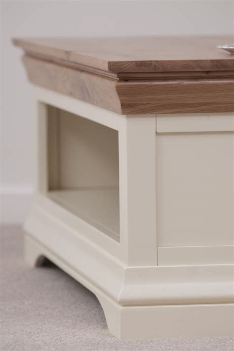 Country Cottage Coffee Tables 64 Best Images About Painted Furniture Home Decor Inspiration On Farmhouse