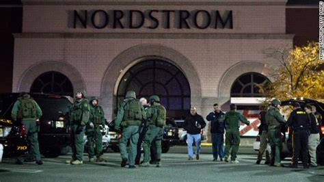 Garden State Plaza Mall Hours by New Jersey Mall Gunman Found Dead Hours After Shooting