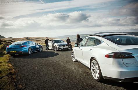 Tesla Vs M5 by Tesla Model S Vs Bmw M5 Vs Porsche Panamera Test