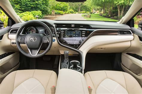 Toyota Camry Interior 2018 Toyota Camry Drive Review Motor Trend