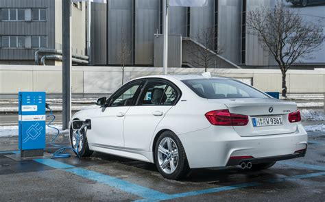 First Drive review: 2016 BMW 330e SE plug in hybrid