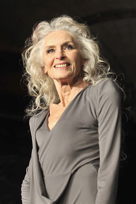 fashions for 80 year old thin women world s oldest supermodel daphne selfe 87 says today s